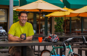 how this cyclist makes $3000 per month blogging